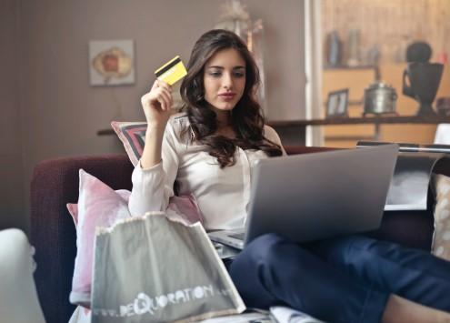 beautiful-lady-credit-card-personal-loan
